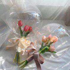 Creative Flower Arrangements, Balloon Arrangements, Floral Arrangements, Clear Balloons, Bubble Balloons, Tropical Party Decorations, Balloon Decorations Party, Balloon Flowers, Balloon Bouquet