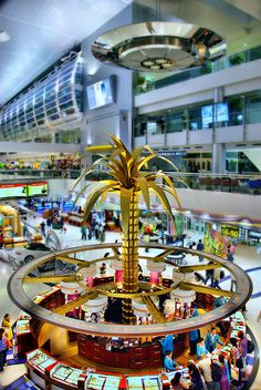 Dubai International Airport, misses this airport alot Dubai Airport, Heathrow Airport, Visit Dubai, Dubai Uae, Airport Design, Dubai Travel, Shopping Malls, Sharjah, Modern City