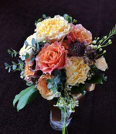 #novarese#vressetrose #wedding  #orange#bouque#natural#Flower #Bridal#amandanrise#アマンダンライズ#ノバレーゼ#ブレスエットロゼ #ウエディング  #イエロー# ブーケ #クラッチブーケ#ダリア#ブライダル#結婚式