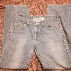 """Old navy Boot cut low waist jeans Old navy, Boot Cut, Low Waist Jeans, excellent used condition! 32"""" inseam Old Navy Jeans"""