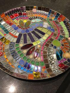 mosaico hecho a mano mosaico de vidrio escala de mosaico Mosaic Birdbath, Mosaic Tray, Mosaic Garden, Mosaic Wall, Mosaic Glass, Mosaic Tiles, Tiling, Tile Crafts, Mosaic Crafts