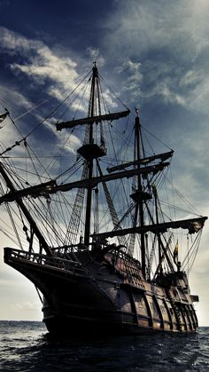 Wallpapers pirates of the caribbean, sailing ship, east indiaman, painting, Sail - Wallpapers pira Pirate Art, Pirate Life, Pirate Ships, Johny Depp, Pirates Of The Caribbean, Sail Caribbean, Sea Pirates, Captain Jack, Captain Jack Sparrow