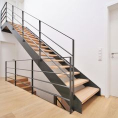 Stahltreppe 04 You are in the right place about Stairs workout Here we offer you the most beautiful pictures about the Stairs sketch you are looking for. When you examine the Stahltreppe 04 part of th Staircase Molding, Stairs Trim, White Staircase, Staircase Handrail, Stair Railing, Black Stairs, Deck Railing Design, Modern Railing, Modern Stairs