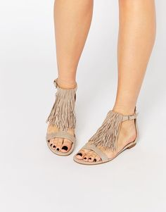 Buy Kendall & Kylie Tessa Suede Nude Fringe Flat Sandals at ASOS. Get the latest trends with ASOS now. Nude Sandals, Open Toe Sandals, Flat Sandals, Flats, Simple Sandals, Flat Shoes, Kendall And Kylie, Suede Shoes, Shoes Heels Boots