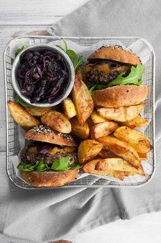 The best VEGAN MUSHROOM BURGER! #vegan #mushroom #burger | ElephantasticVegan.com