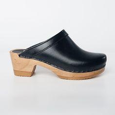Plain Clog - Medium Heel - Sven Style # 0923