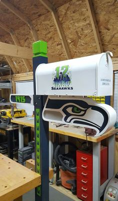 Turn your garage into the ultimate man cave. Seahawks Football, Sport Football, Seattle Seahawks, Football Spirit, Football Crafts, Football Memes, Football Stuff, Seattle Pride, 12th Man