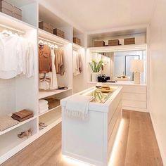 Walk In Closet Design, Bedroom Closet Design, Master Bedroom Closet, Closet Designs, Home Room Design, Dream Home Design, Home Interior Design, Bedroom Decor, Wardrobe Room