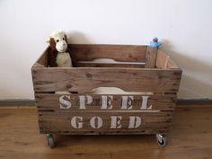 Crate on wheels - Opbergkist/speelgoedkist Minke (2 kanten bedrukt) - Creations by Corline