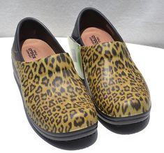 ef052f4bbfed6 Crocs Women s Animal Print Neria pro graphic clog sandals Black Shoe Size 8  NEW  Crocs