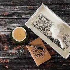 Buen día! Arriba que hoy es un gran dia para arrancar. Toda travesía comienza con un primer paso. 🚶🏽☕️📔 EVEN THE LONGEST JOURNEY BEGINS WITH A SINGLE STEP 👉🏼 Pocketbooks y martes en VincentCousteau.com.ar #pocketbooks#desayuno#coffee#journey#martes#travesia#aventura#viaje#primerpaso#hoy#aquiahora#goodmorning#explore#compass#travel