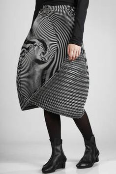 Issey Miyake | steam stretch pleated longuette skirt in triacetate, polyester and polyurethane | #isseymiyake