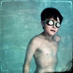 Swimmer . . . . .#swimmerboy  #swimmer #water #swimmingpool #swimgoggles #mobile_photography #iphone7plus #iphoneography #tintype #mobileartistry #