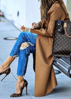 #fall #outfits Camel Coat // Ripped Jeans // Leopard Pumps