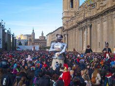 Y Don Quijote con toda la Plaza del Pilar a sus pies