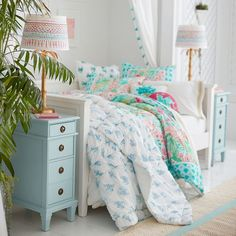 30 perfect day beds design ideas make you comfy everyday 8 - Decor Life Style Girls Daybed Room, Bedroom Decor For Teen Girls, Teen Girl Bedrooms, Room Ideas Bedroom, Home Decor Bedroom, Tween Girls, Bedroom Designs, Pb Teen, Daybed Bedding
