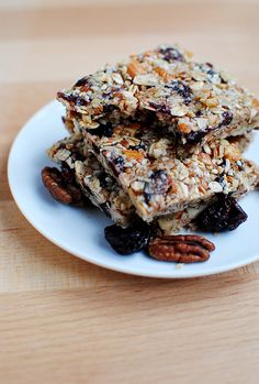 Homemade Chewy Granola Bars - with almonds, pecans & dried cherries!