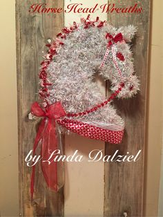 Peppermint Pony! Horse Head Wreaths by Linda Dalziel on Facebook.