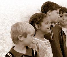 Art. 6- Si el estudiante es menor de edad, debe de hacer los trámites de admisión, ingreso y reingreso en compañía de un padre o tutor.