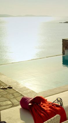 infinity pool, i would die for this