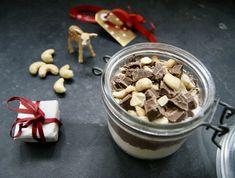Brownies aux noix de pécan en pot à offrir Pots, Le Cacao, Brownies, Cereal, Pudding, Breakfast, Desserts, Chocolates, Food