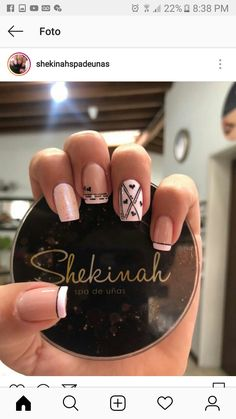 Here are gorgeous nail designs for valentine's day. From the traditional red to pink nail designs and many more. Cute Nails, Pretty Nails, Acrylic Nails, Gel Nails, Fingernails Painted, Pink Nail Designs, Types Of Nails, Manicure And Pedicure, Manicure Ideas