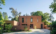 red brick contemporary home in Newbury