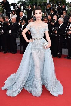 Li Bingbing wore a Zuhair Murad Couture spring/summer 2015 gown and carried a clutch by Jimmy Choo.