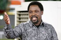 Lobatan!! Lady Vomits Cockcroach after Pastor T.B Joshua prayed for her in his church (See Photos)