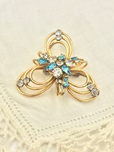 Luxurious DEEP Blues ORNATE Flower 3D Lotus Rhinestone Gold Retro Vintage Brooch