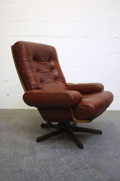 Mid Century Tessa Swivel Armchair Retro Vintage Leather