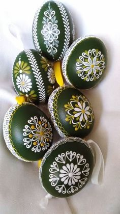 45 Next-Level Easter Eggs Decoration Ideas and Projects. Next-Level-Easter-Eggs-Decoration-Ideas-and-Projects. What comes on the way when we move towards spring? Hence we got you these Next-Level Easter Eggs Decoration Ideas and Projects Making Easter Eggs, Plastic Easter Eggs, Easter Egg Crafts, Painting Eggs For Easter, Bunny Crafts, Easter Egg Designs, Ukrainian Easter Eggs, Egg Decorating, Decorating Easter Eggs