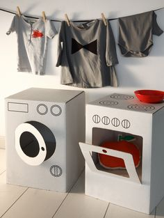 What a fun way to use cardboard boxes! Create a washer and dryer set that kids will love!