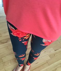 My absolutely favorite leggings - so pretty, comfy and buttery soft. Lularoe LLR Roses One Size. Paired with an XXS coral Irma shirt/tunic