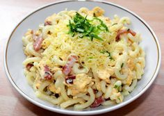 Tojásos tészta recept foto Eastern European Recipes, Hungarian Recipes, Pasta Salad, Potato Salad, Macaroni And Cheese, Cabbage, Bacon, Food And Drink, Cooking Recipes