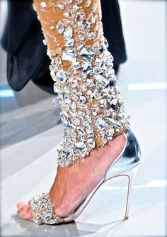 #chiffon et ribbons #cyrstal Silver shoes and leggings #Bridal #Clearly Stepping down the aisle