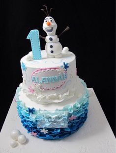 Frozen Cake by Denise