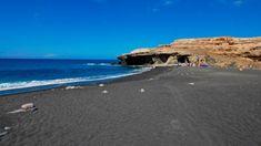 Playa de arena negra en Ajui, Fuerteventura. Tenerife, Canary Islands, Spain Travel, Travel Inspiration, Places To Go, Explore, Adventure, World, Beach