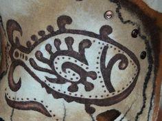 Делаем трафаретный рисунок на готовом изделии из войлока