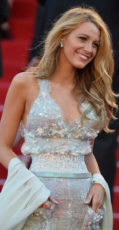 Blake Lively Sparkling in Chanel at The Annual Cannes Film Festival Style Blake Lively, Blake Lively Cannes, Blake Lively Dress, Gossip Girl Cast, Black Lively, Divas, Serena Van Der Woodsen, Schoolgirl Style, International Film Festival