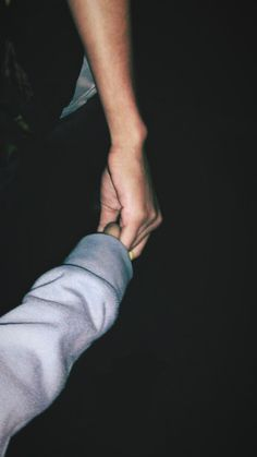 Pin by me ❤ on couple Tumblr Couples, Teen Couples, Couple Goals Relationships, Relationship Goals Pictures, Boyfriend Goals, Future Boyfriend, Couple Goals Cuddling, Couple Hands, Ulzzang Couple