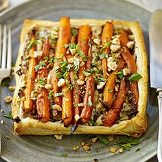 Goat's cheese & cranberry tartlets + OTHER CHRISTMAS VEGGIE RECIPES             4.125  (8  ratings)  These vegetarian tartlets make great finger food for a festive drinks p...