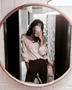 December 27 2019 at fashion-inspo Mirror Pic, Cool Mirrors, Mirror Selfies, Instagram Photos Ideas, Foto Casual, Aesthetic Girl, Style Me, Cute Outfits, Summer Outfits