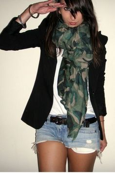 Camo (believe it or not) is coming in style this season! Use it easily by wearing it on accessories such as this scarf. Purchase an old army jacket at an army surplus store and glam it up from there! Short Outfits, Casual Outfits, Cute Outfits, Fashion Outfits, Casual Attire, Love Fashion, Autumn Fashion, Trendy Fashion, Fashion Women