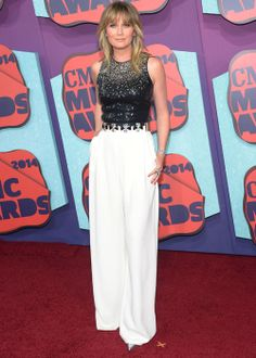 Country-Tastic Outfits From Last Night's CMT Music Awards: Jennifer Nettles