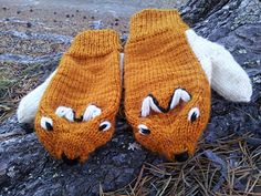 Red fox mittens by Nina Figenschau - free - The english version is at the bottom of the page.