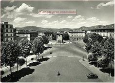 Piazza Beccaria nel 1955, incredibile come è vuota, in 60 anni tutto è cambiato