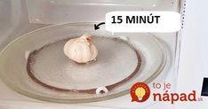 Žena vložila do mrazničky celú cibuľu. Ide o geniálny trik do každej kuchyne!