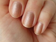 Review of H&M nail polish (The One, sand finish)
