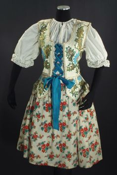 Polish (or Slovak) wedding costume Polish Embroidery, Polish Wedding, Modern Vintage Weddings, Folklore, Costumes Around The World, Bohemian Girls, Bohemian Blouses, Costumes For Sale, Wedding Costumes